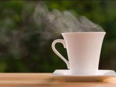 15 Khasiat Minum Air Hangat Setelah Makan Bagi Kesehatan Dan Pencernaan