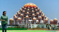 Bella Saphira Pamer Foto di Depan Masjid 99 Kubah yang Megah