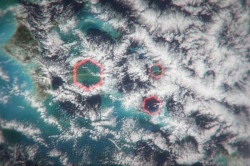 Pengertian Awan Heksagonal Dan Rahasia Segitiga Bermuda