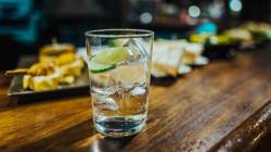Sparkling Water, Air Putih, dan Soda: Apa Bedanya, Sih?