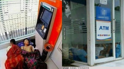 Nggak Paham Lagi Sama 10 Kelakuan Kocak Orang di ATM ini. Lagi pada Punya Masalah Apa sih?