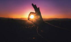 Wajib Tahu, Inilah Manfaat Energi Matahari Bagi Manusia   Sangat Baik Untuk Kesehatan Fisik Maupun Mental!