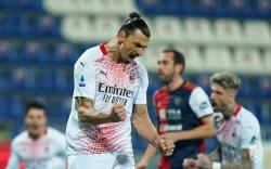 Cagliari Vs AC Milan 0-2: Zlatan Brace Gol, Sambut Gembira Kehadiran Mandzukic